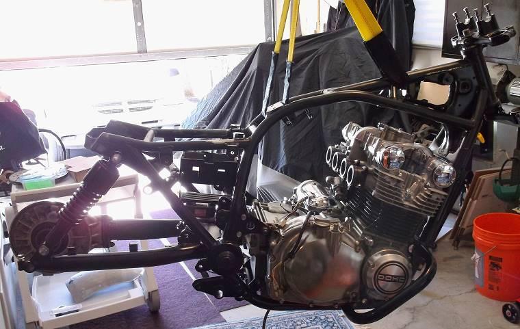 Suzuki 850 motor in frame